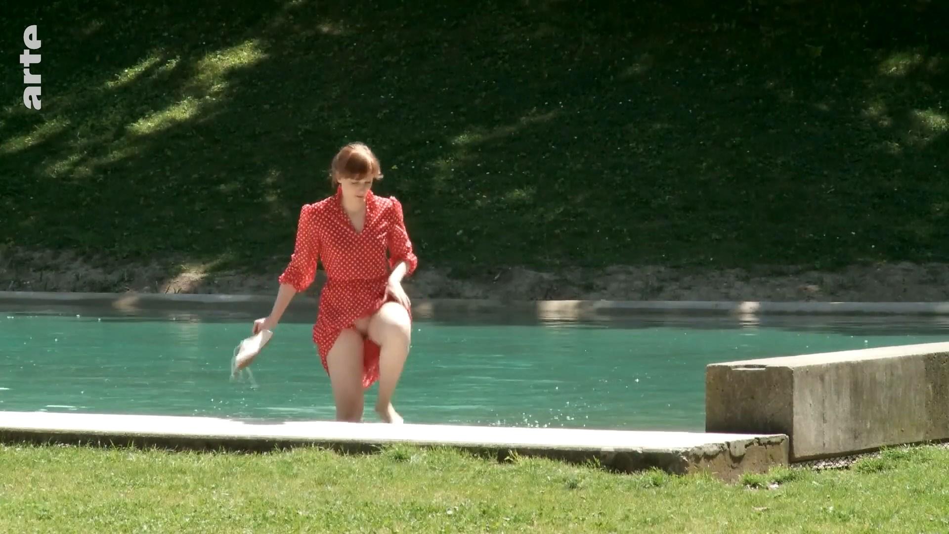 Elise Ladoue nude - Apres un reve (2013)