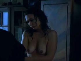Oana Pellea nude - Vulpe - vanator (1993)