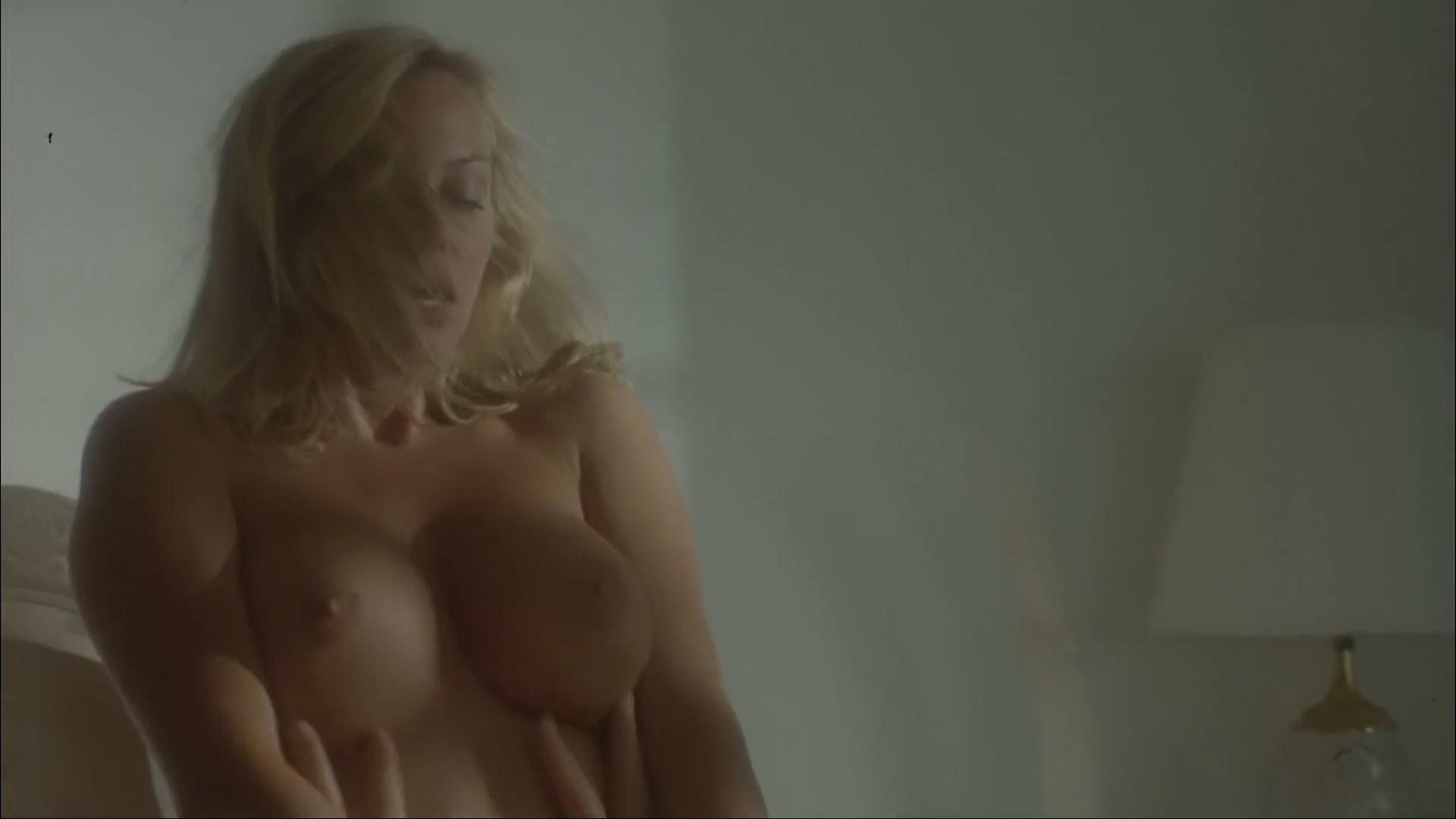 Michelle Smith  nackt
