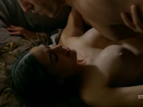Melissa Barrera nude - Vida s02e05 (2019)