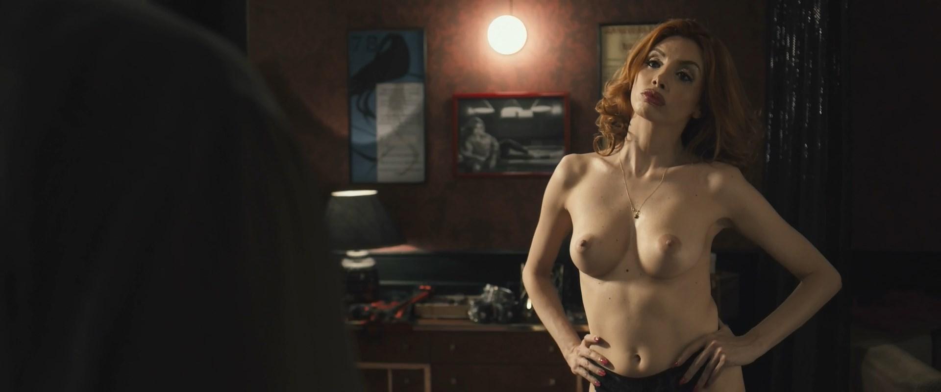 Ilenia Pastorelli nude - Non ci resta che il crimine (2019)