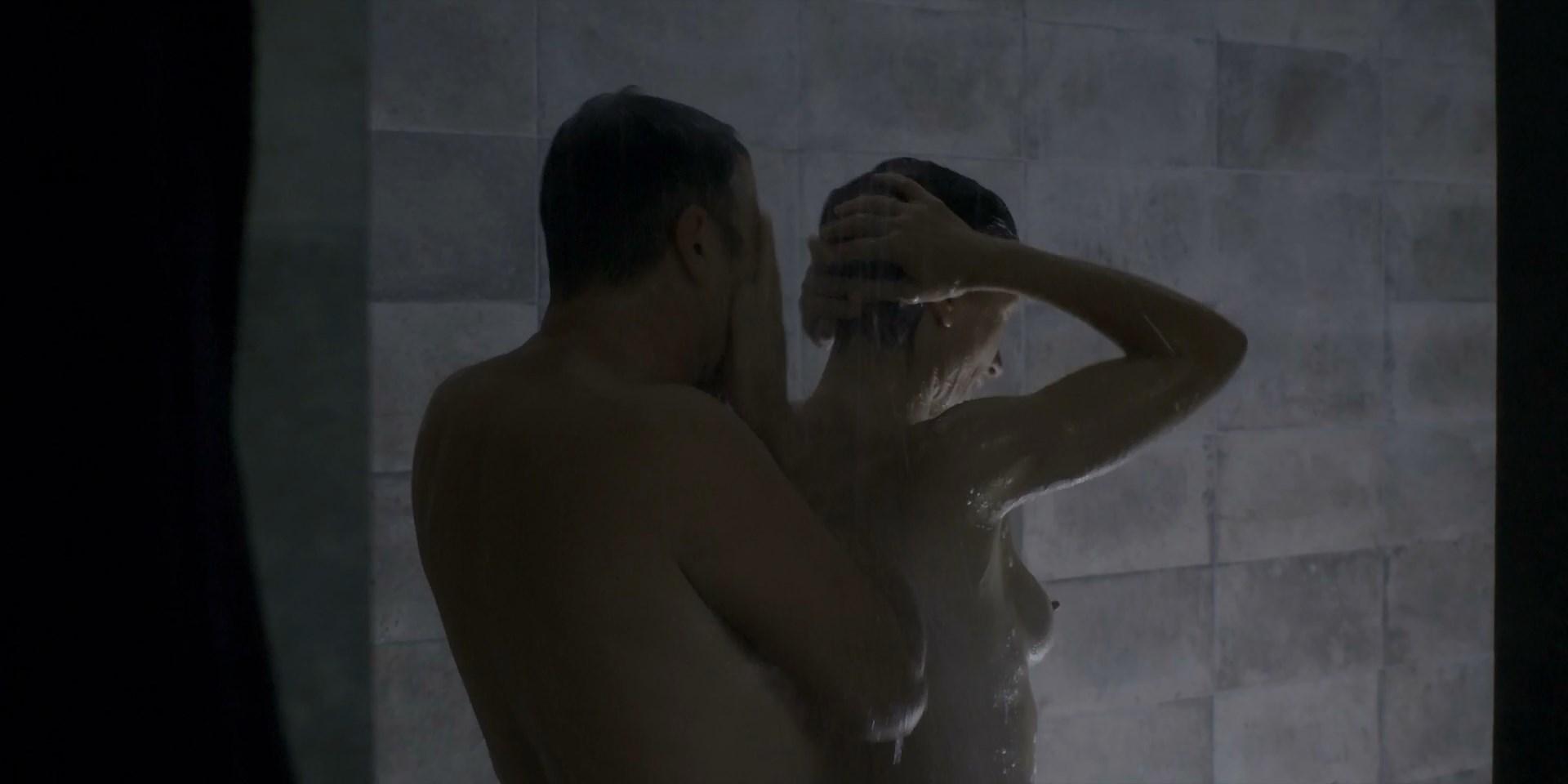 Sophie Gomez nude - Monarca s01e04, e07 (2019)