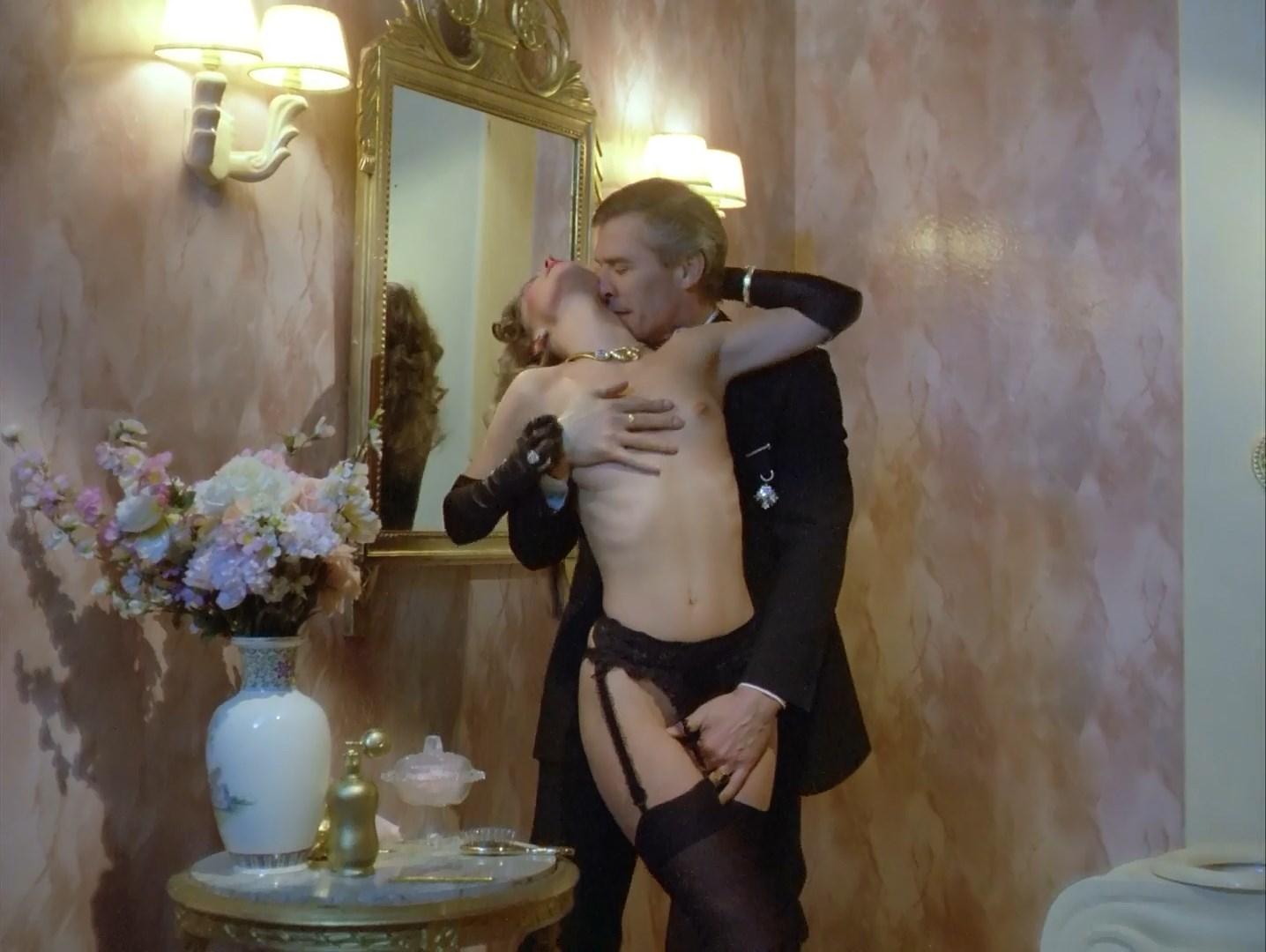 Sophie Berger nude - La ronde de l'amour (1985)