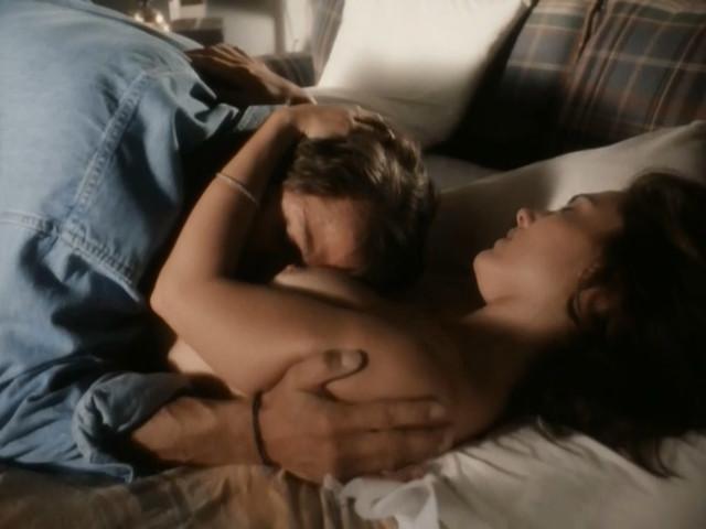 Ashley Laurence nude - Triplecross (1995)