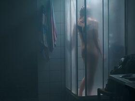 Anna Prochniak nude - Luna (2015)