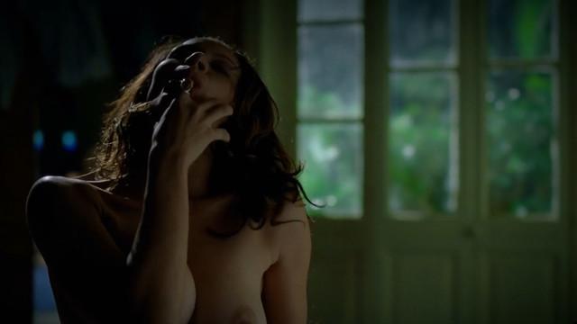 Hermila Guedes nude - Assalto Ao Banco Central (2011)