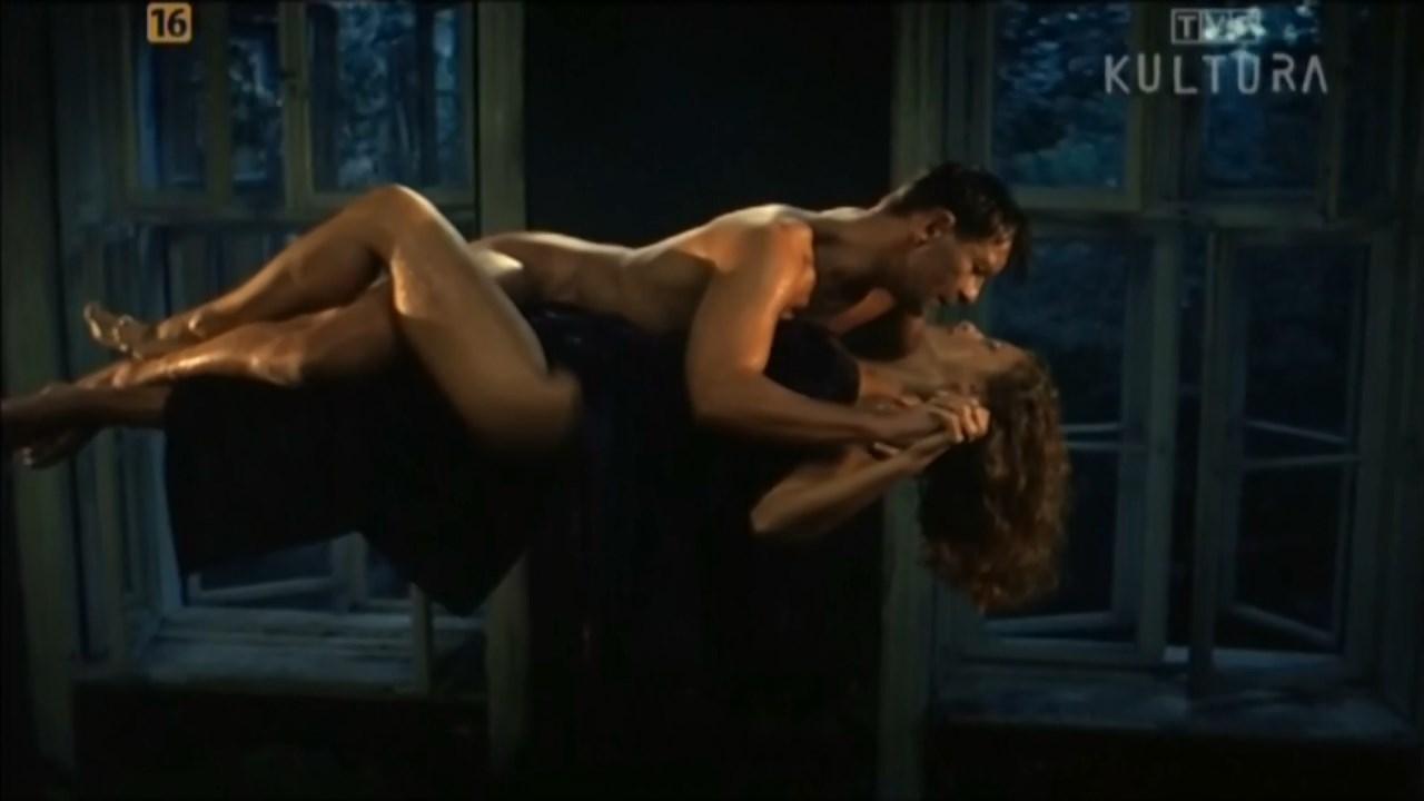 Katarzyna Skrzynecka sexy - Podroz na wschod (1994)