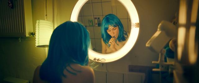 Victoria Schulz nude - Electric Girl (2019)