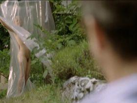 Veronika Zilkova nude - Mrtvola musi zomriet (2009)