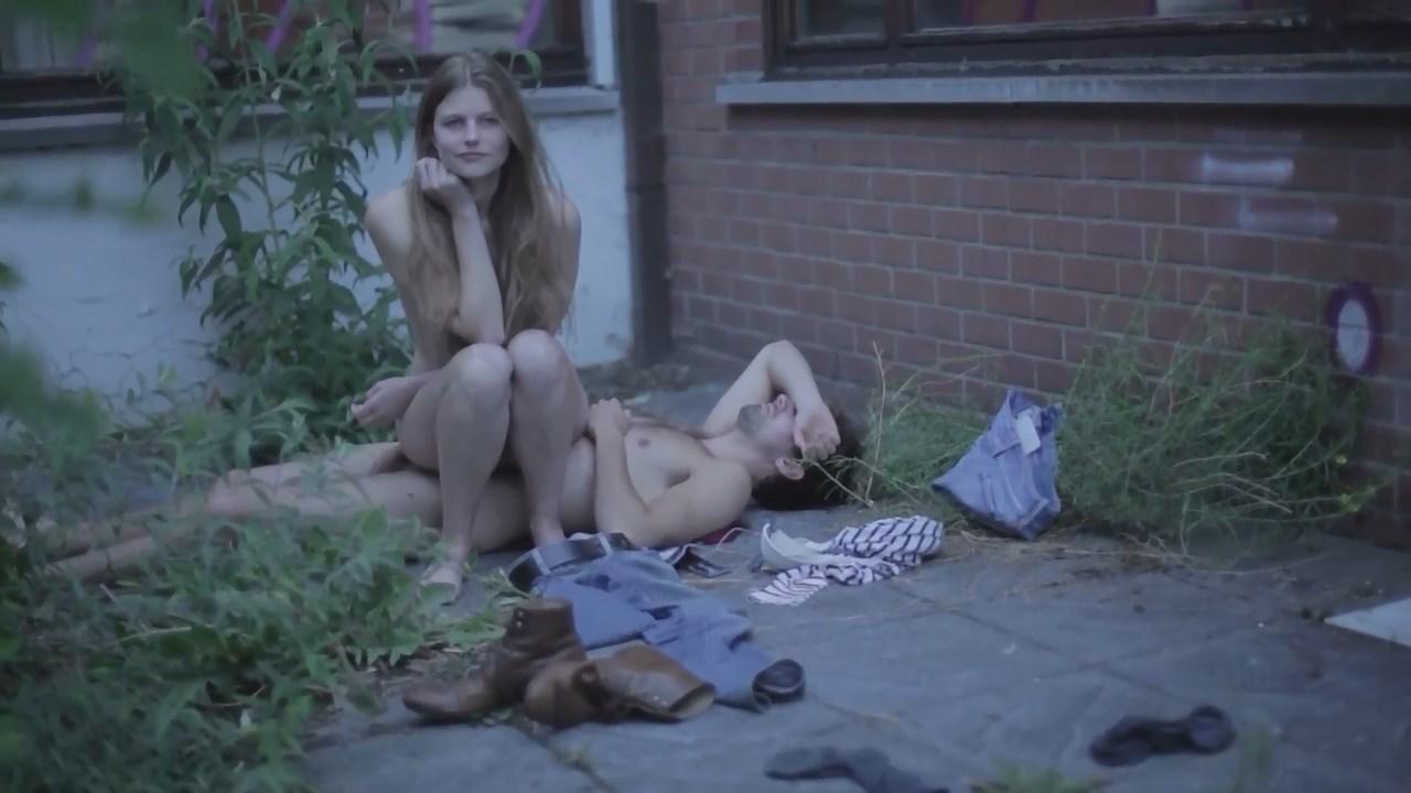Helena Coppejans sexy - Portrait (2015)