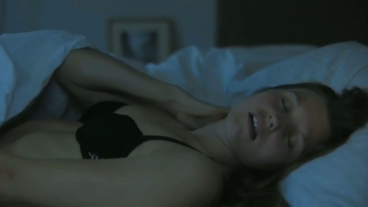 Helena Coppejans sexy - Opium Lili (2011)