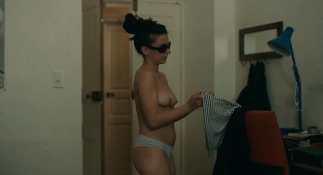 Delia Sepulcre-Nativi nude - Une vie violente (2017)