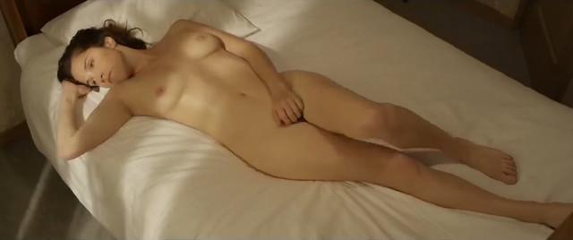 Camille Blouet nude - Voyeuse (2013)