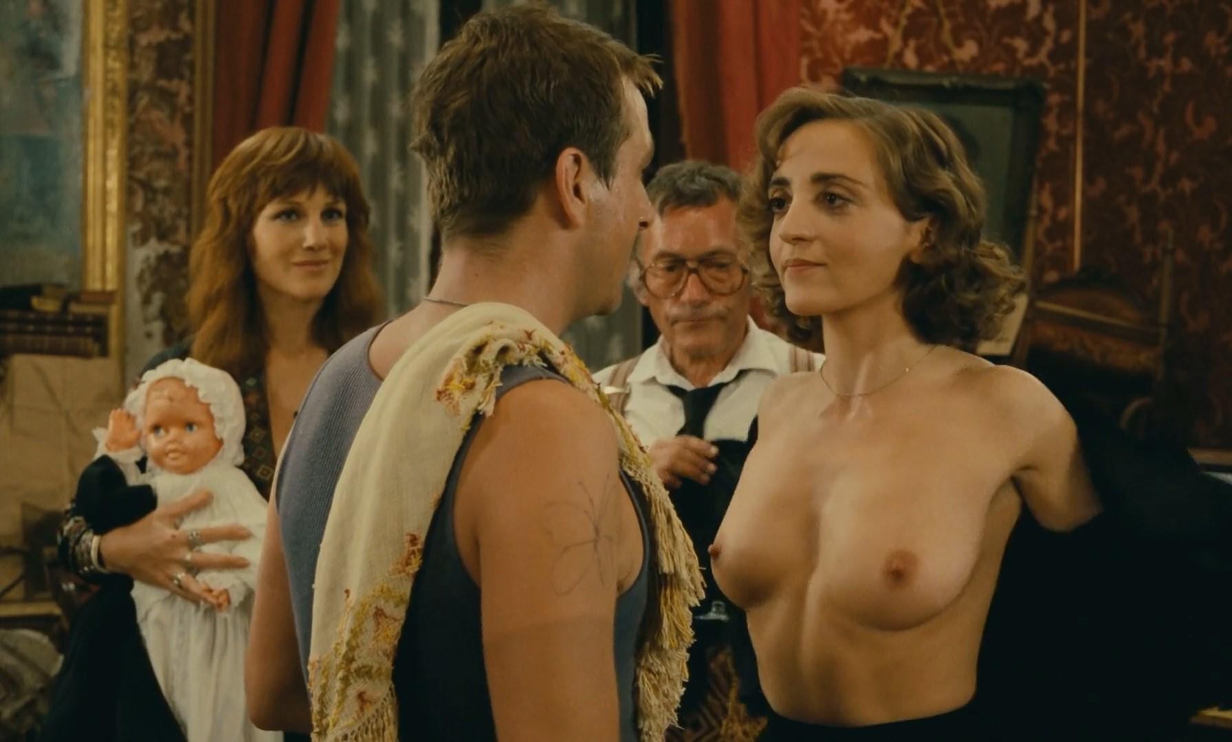 Dominique Blanc nude - Milou en mai (1989)