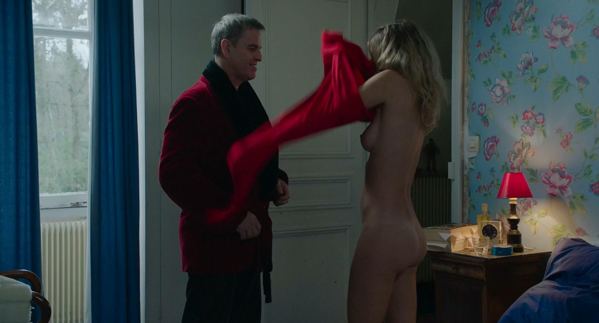 Lea Rostain nude - A cause des filles .. (2019)
