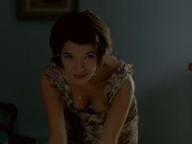 Melanie Doutey sexy - La Fleur Du Mal (2003)