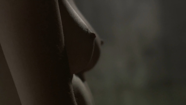 Amandine Biancherin nude - Memoire Deau (2018)