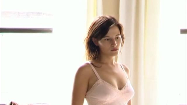 Edwige Baily nude - L. (2006)