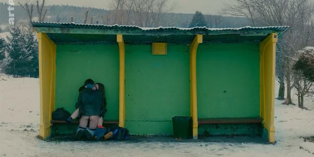 Liv Henneguier sexy - Crache coeur (2015)
