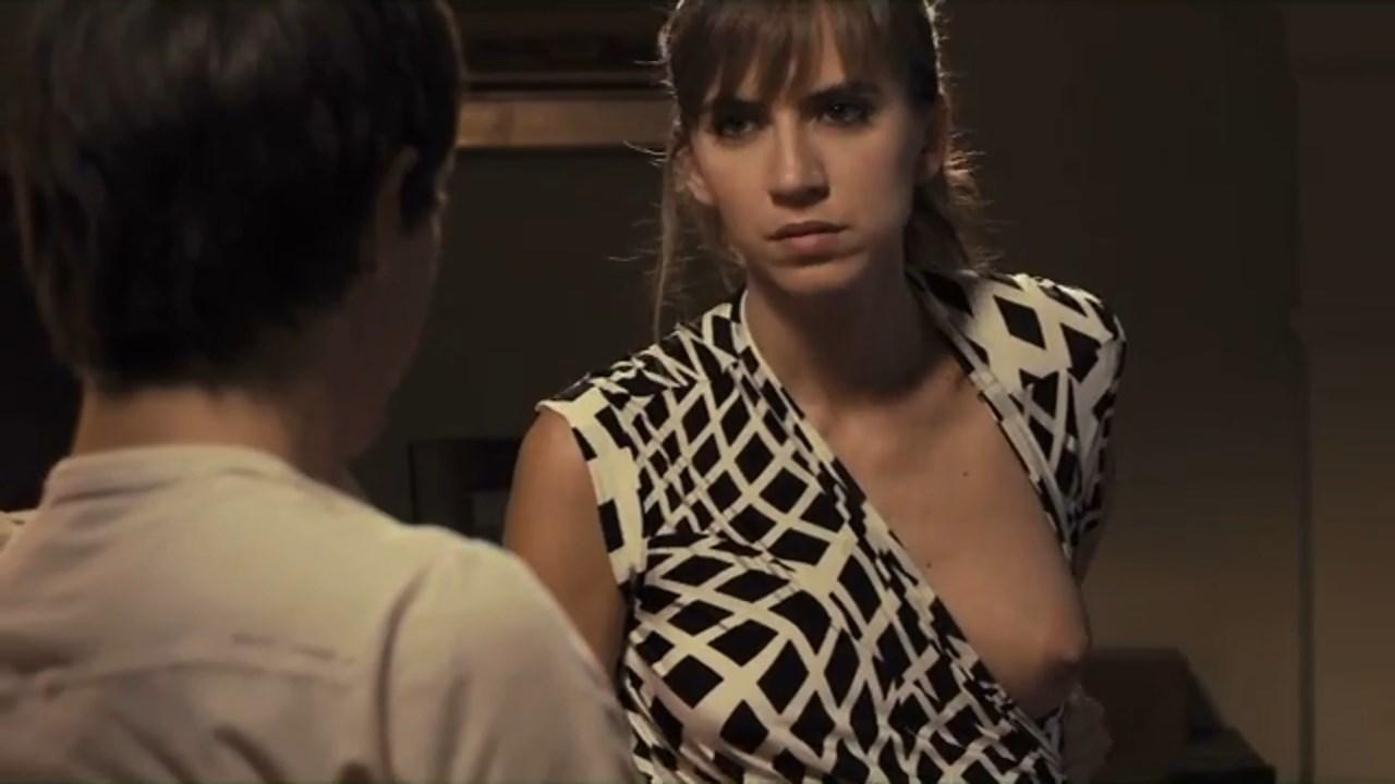 Aina Clotet nude - Sisters (2012)