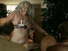 Frankie Pain nude - Proteger & servir (2010)