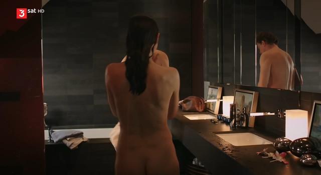 Julia Richter nude - Bella Amore - Widerstand zwecklos (2014)
