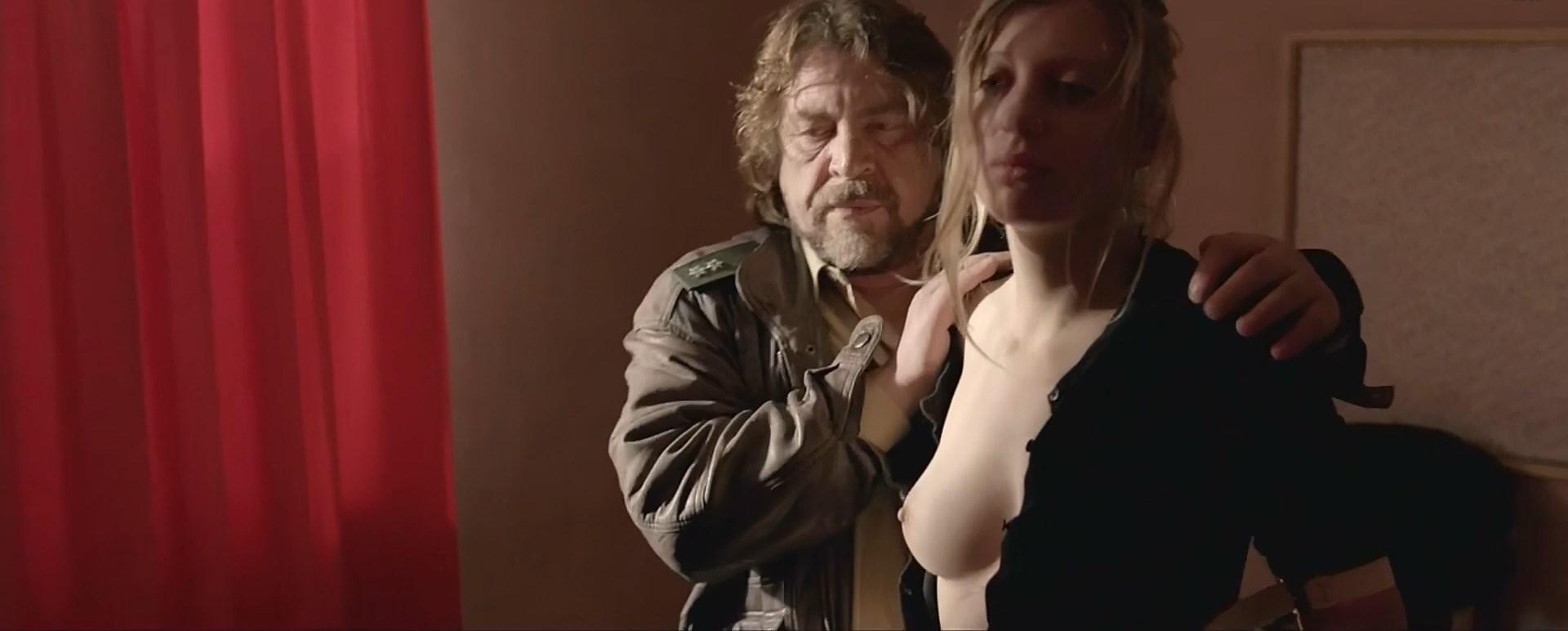 Janina Schauer nude - Tatort e937 (2015)