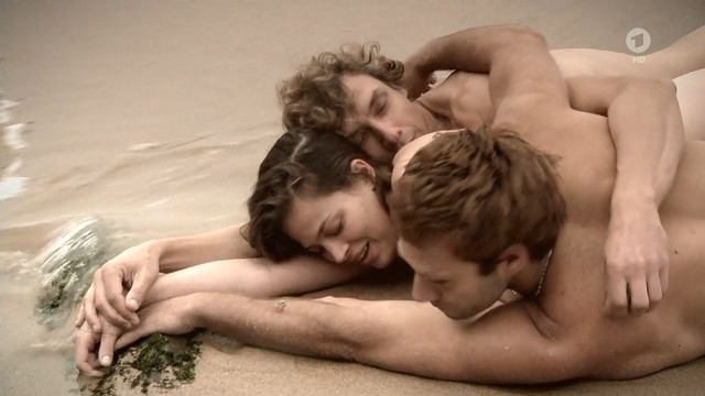 Giulia Goldammer nude - Tatort e1095 (2019)