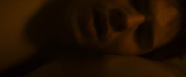 Paula Beer nude - Le chant du loup (2019)