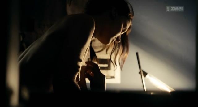 Nicole Lechmann nude - Tutti giu (2012)