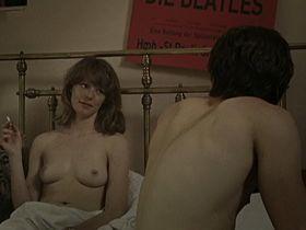 Lavinia Wilson nude - Mutig in die neuen Zeiten - Nur keine Wellen (2006)