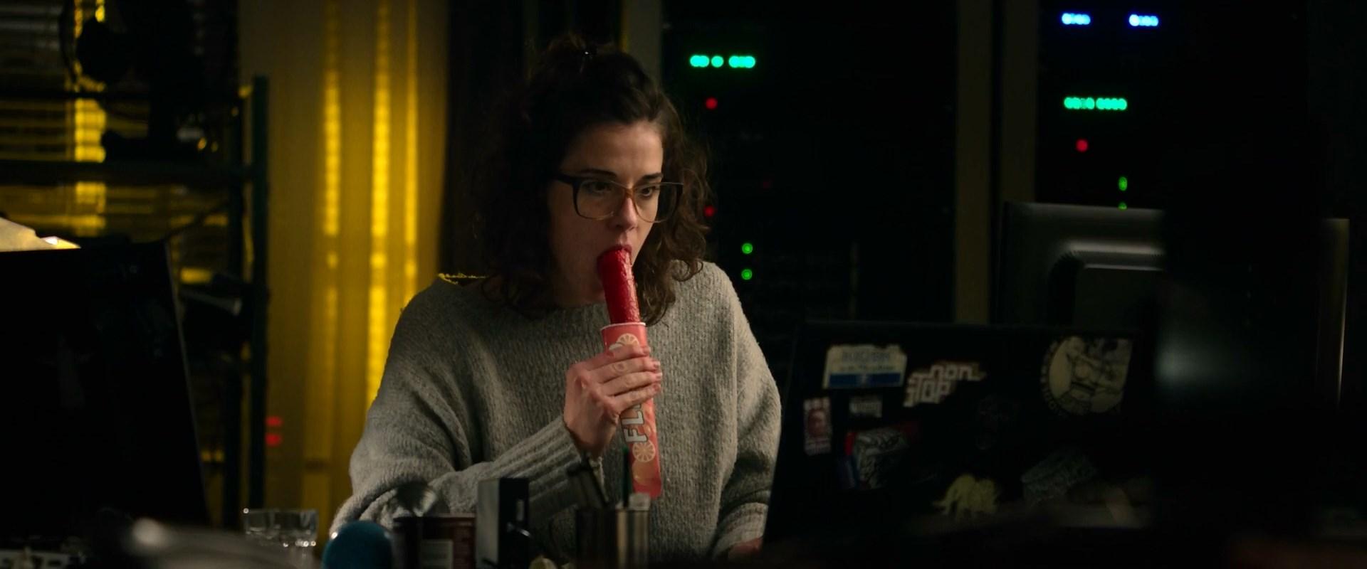Anne Schafer sexy - Hot Dog (2018)