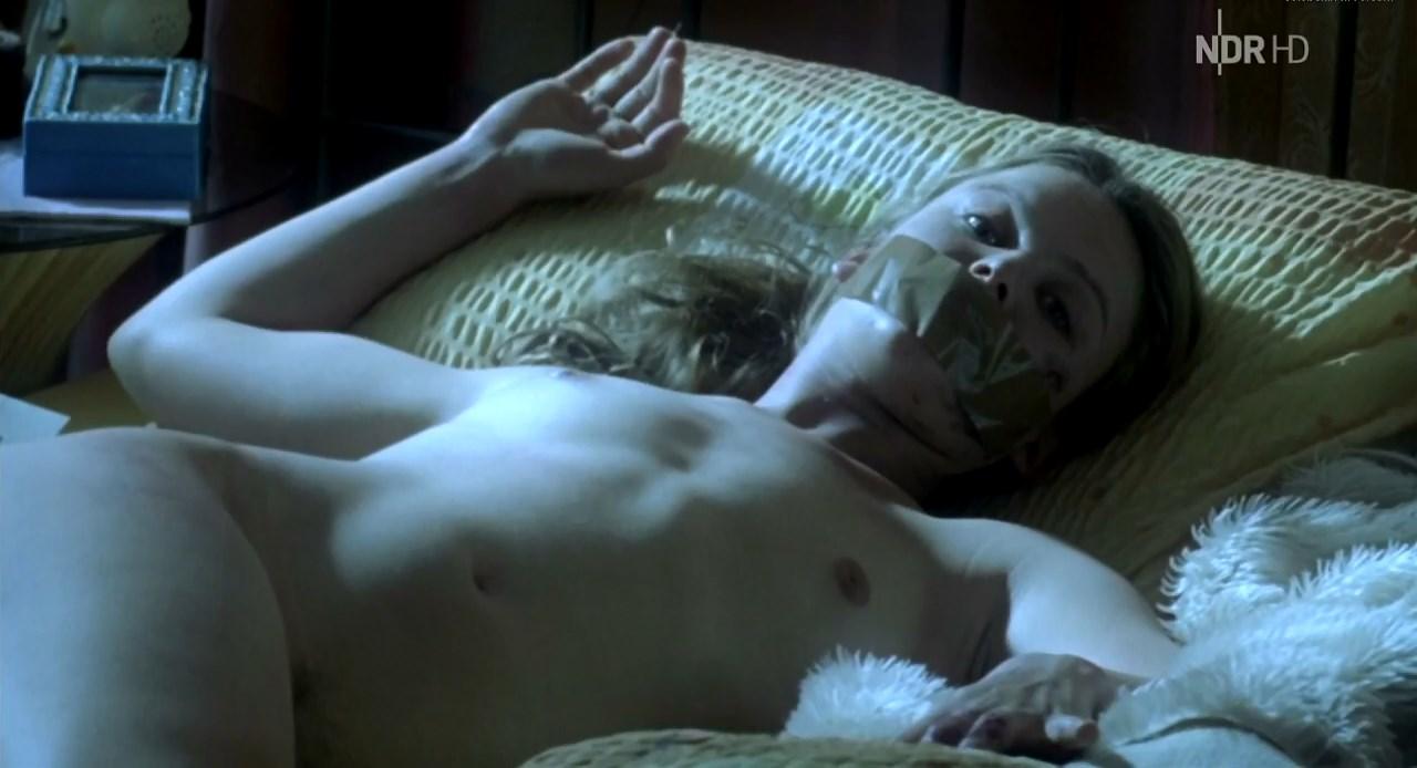 Annabelle Leip nude - Tatort e710 (2008)