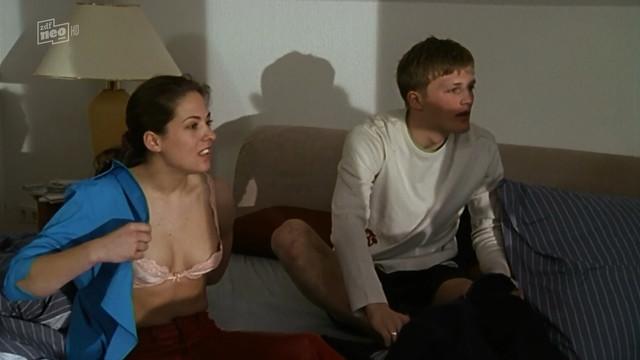 Sophie Steiner nude - Die Rettungsflieger s06e04 (2002)