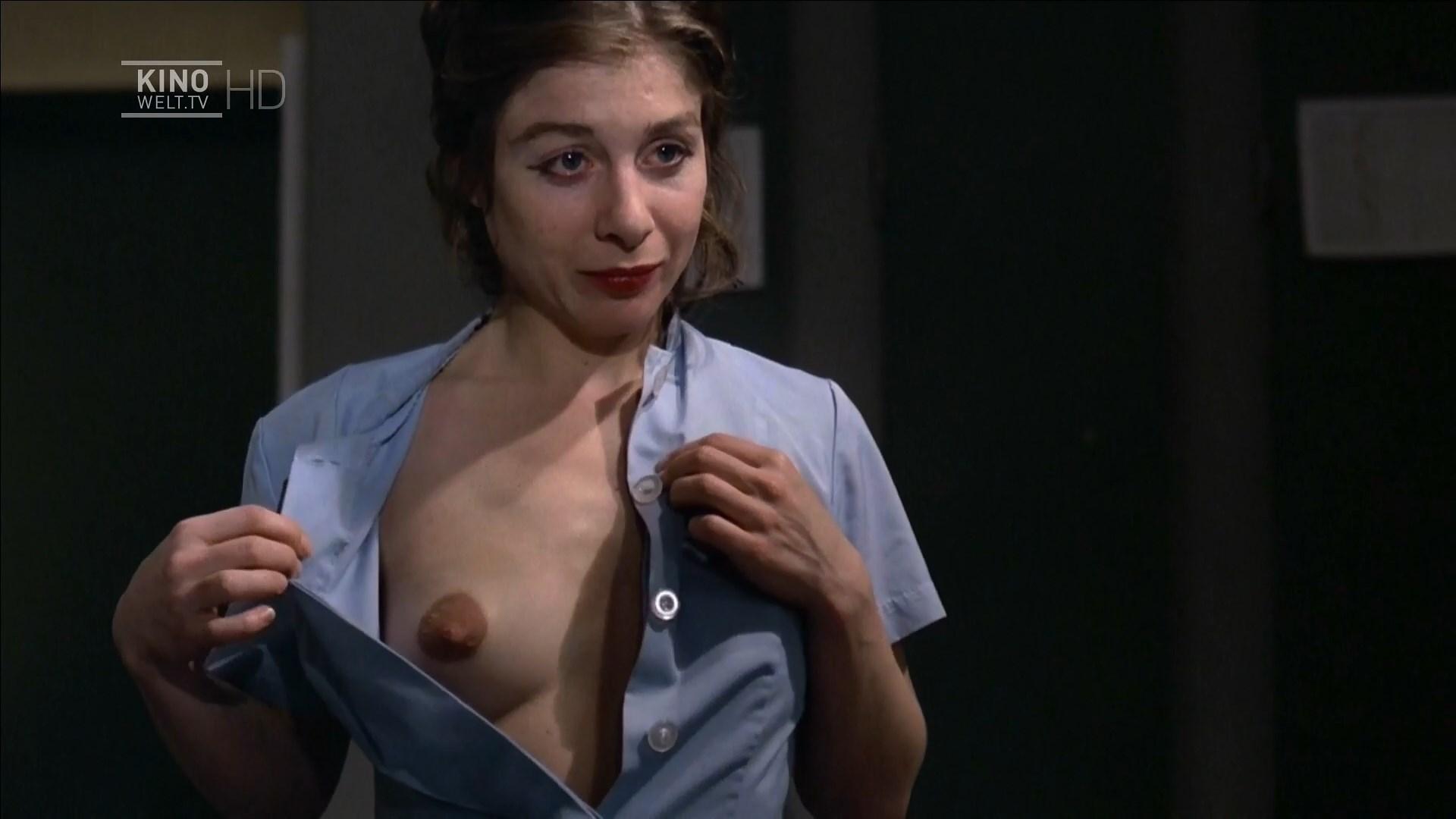 Carla Egerer nude - Messer im Kopf (1978)