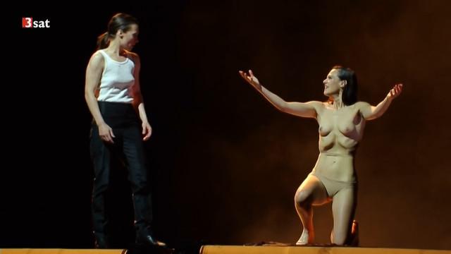 Nora Buzalka nude - Die Rauber (2017)
