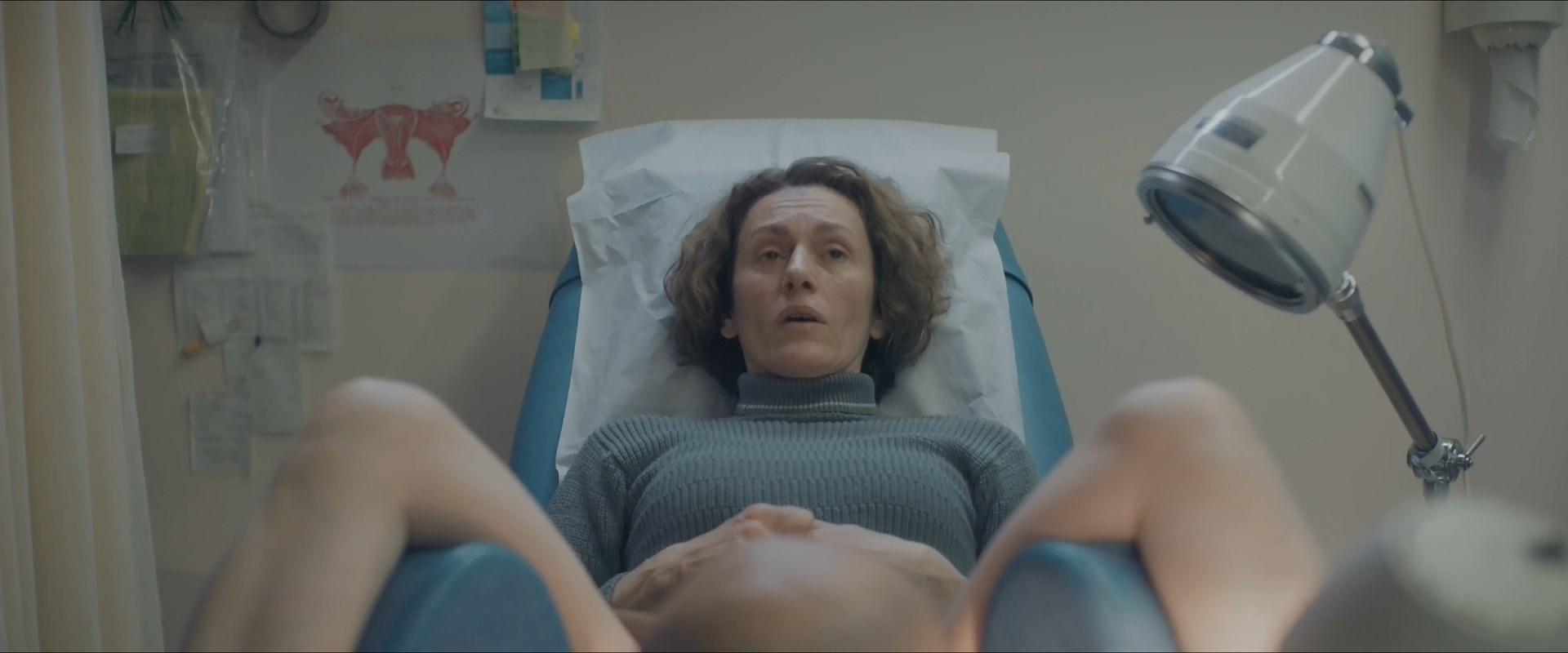 Stella Fyrogeni sexy - Pause (2018)