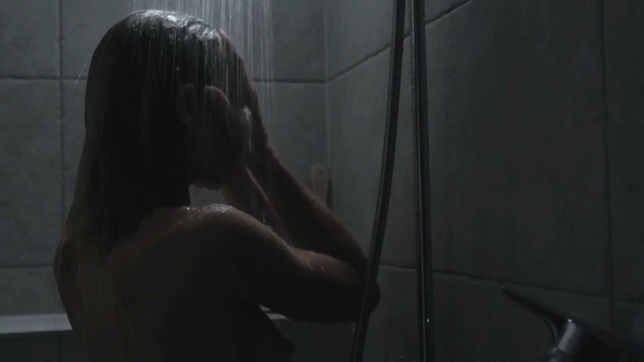 Frederique Dupre sexy - Eloise (2013)