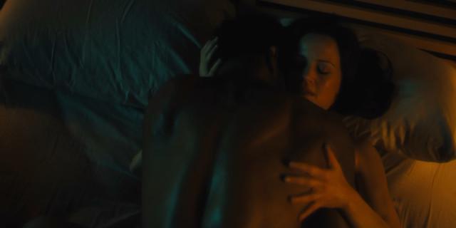 Carla Gugino nude - Jett s01e01 (2019)