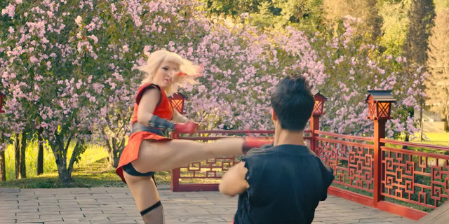 Pom Klementieff sexy - Black Mirror s05e01 (2019)