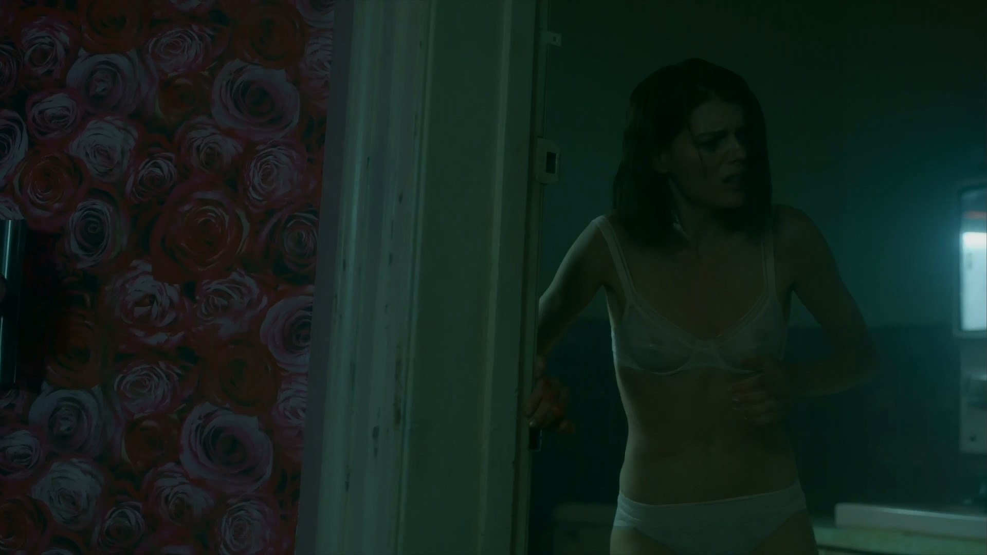 Emma Greenwell sexy - The Rook s01e01 (2019)