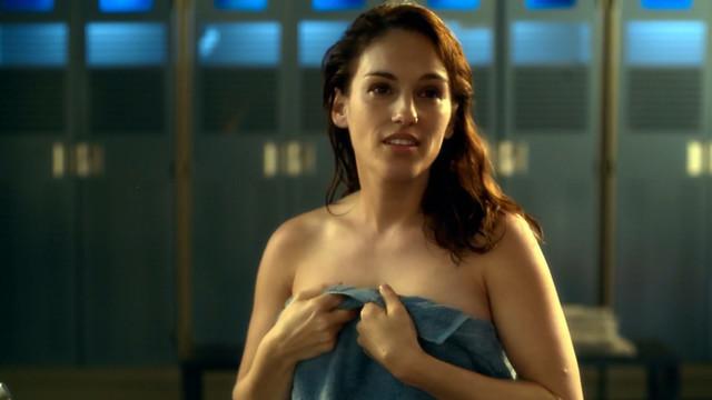Amy Jo Johnson sexy - Flashpoint s04e01 (2011)