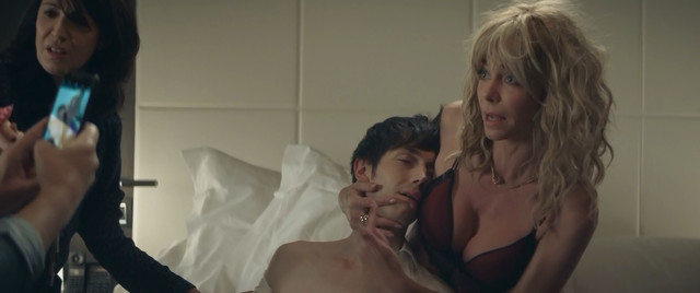 Emilie Arthapignet sexy - Le gendre de ma vie (2018)