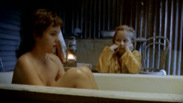 Victoria Thaine sexy - Floodhouse (2004)