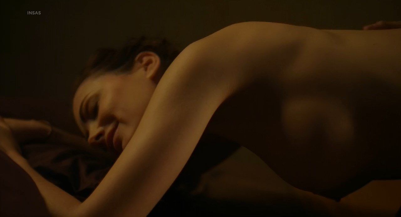 Stephanie Lowette nude - Le Patin (2017)