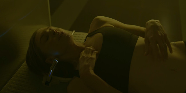 Katee Sackhoff sexy - Another Life s01e01 (2019)