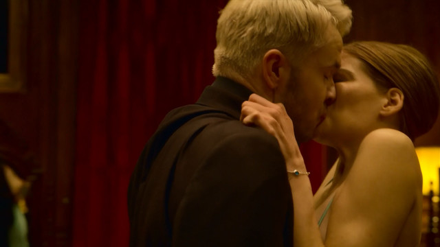 Emma Greenwell sexy - The Rook s01e07 (2019)