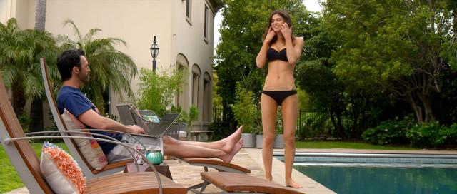 Alexandra Daddario sexy - Why Women Kill s01e01 (2019)