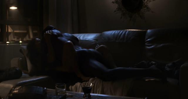Benedicte Decary sexy - Gaston (2014)