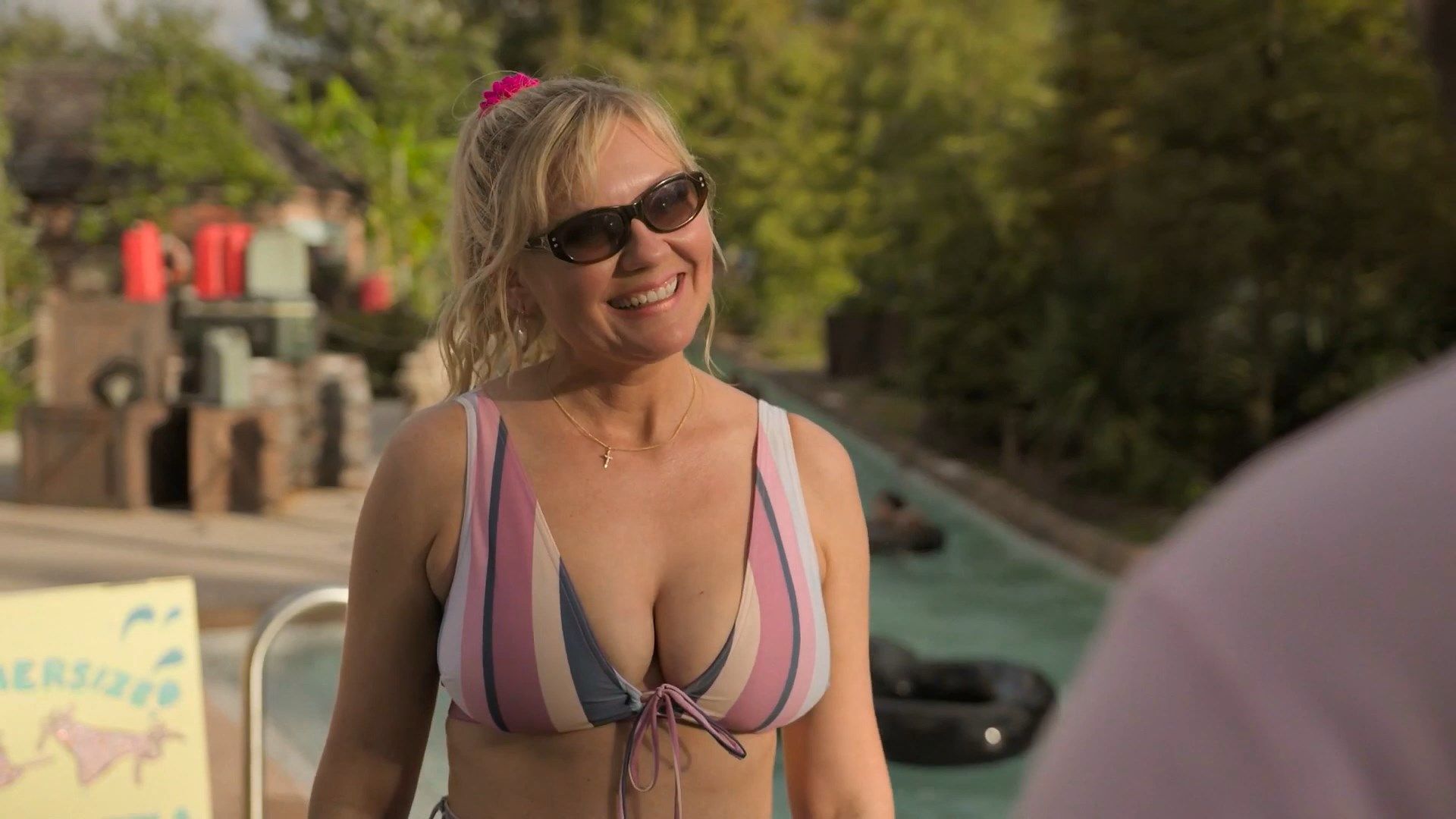 Kirsten Dunst sexy - On Becoming a God in Central Florida s01e01-03 (2019)